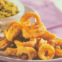 receta gatimi per pergaditjen e kallamarit te tiganosur me salce dhe hudher