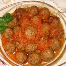 receta gatimi per pegaditjen e qofteve me salce domatesh