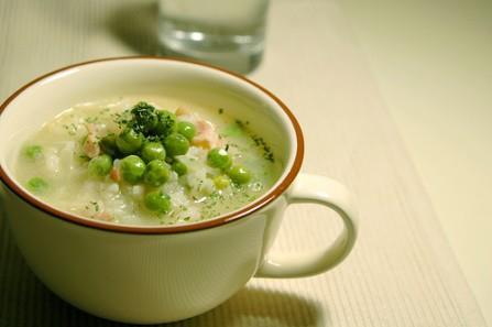 Si te gatuajme Supe me oriz dhe bizele – Riceta gatimiper Supe me