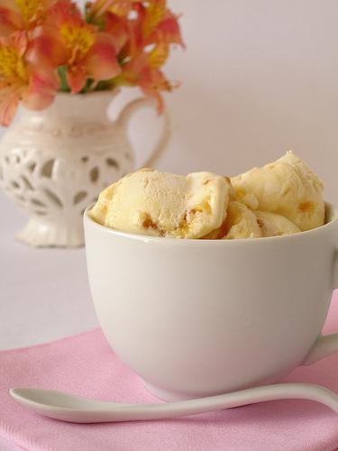 Akullore me karamel