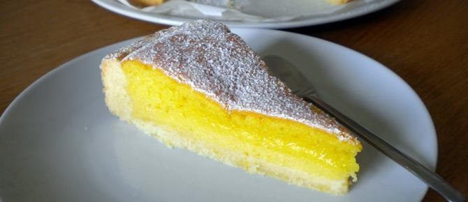 Tortë me limon