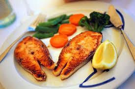 Pse duhet të hani shumë peshk pas lindjes