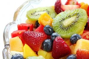 Sallatë frutash me kos dhe vanilje
