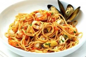 Spaghetti me fruta deti