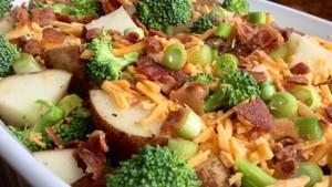 Patate me proshutë dhe brokoli