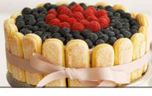 Torte me biskota dhe fruta