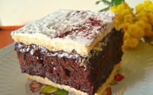 Tortë sfoljatë me çokollatë