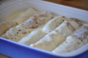 Palëpeta të mbushura e mish të bluar dhe salcë