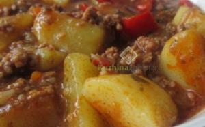 Patate dhe mish të bluar