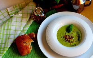 Supë freskuese – avokado, trangull dhe borzilok