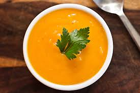 Supë pule me karota